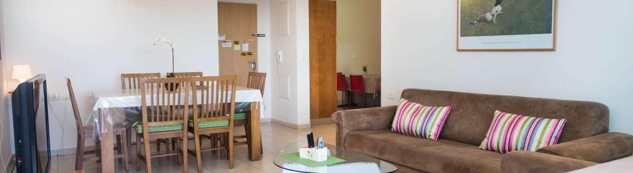 Raanana Luxury Holiday (07)- 3 BR apartment - east Raanana