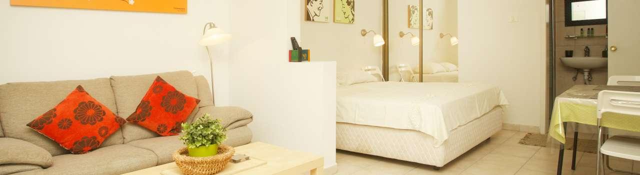 Raanana Luxury Holiday - Lovely Studio with a garden - Close to Ahuza